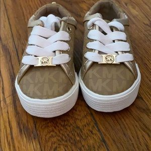 Toddler girls Micheal Kors sneakers